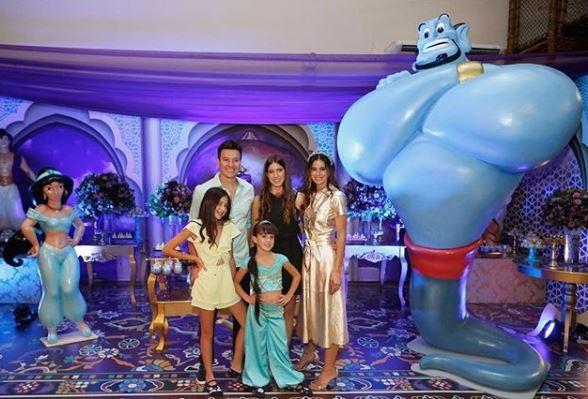 Filha de Rodrigo Faro ganha festa de aniversário com decoração inspirada no filme 'Aladdin'.